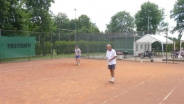 tennis 3 050